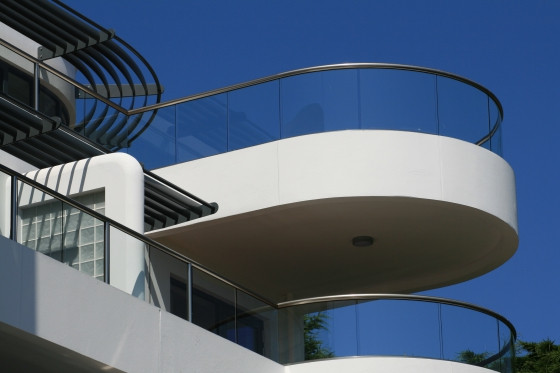 glass balustrade with top rail